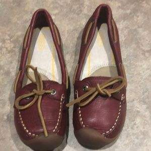 NWOT keen maroonish leather loafers